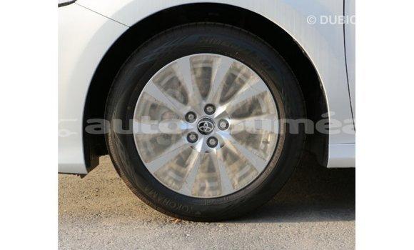 Acheter Importé Voiture Toyota Camry Blanc à Import - Dubai, Iles