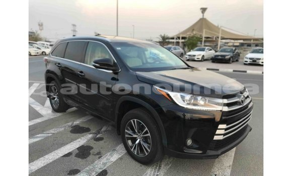 Medium with watermark toyota highlander iles import dubai 1780