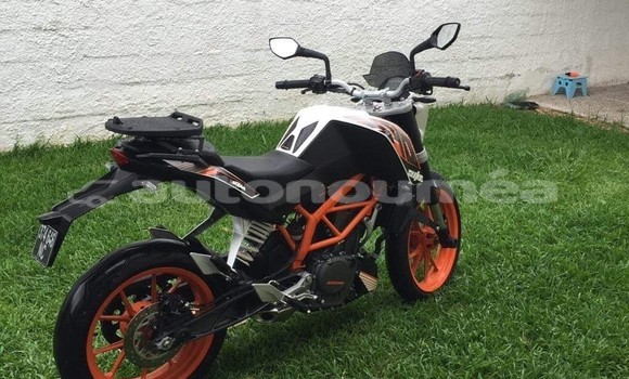 Medium with watermark ktm duke sud noumea 2112