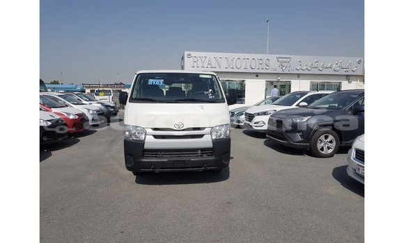 Medium with watermark toyota da iles import dubai 2488