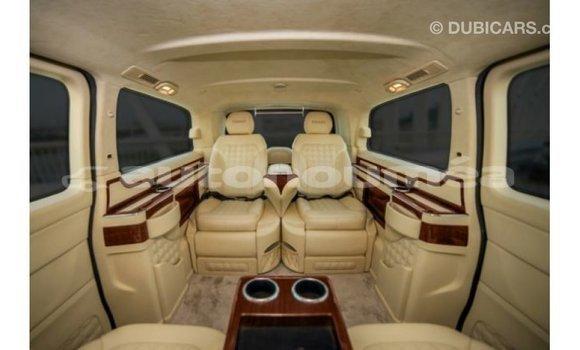 Acheter Importé Voiture Mercedes-Benz 190 (W201) Noir à Import - Dubai, Iles