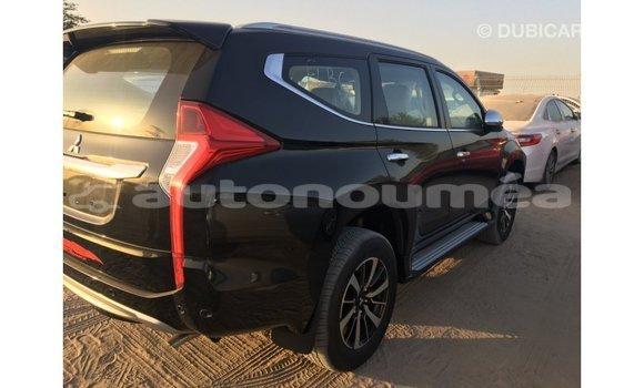 Acheter Importé Voiture Mitsubishi Montero Noir à Import - Dubai, Iles