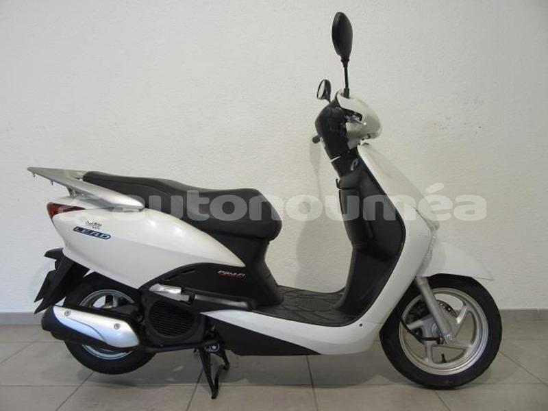 Big with watermark honda scooters sud noumea 3324