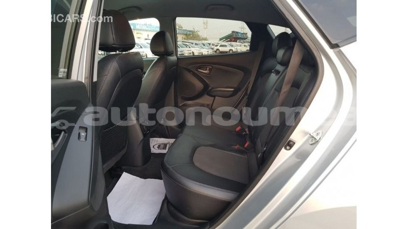 Big with watermark hyundai tucson iles import dubai 3460