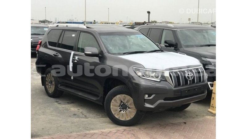 Big with watermark toyota prado iles import dubai 3653