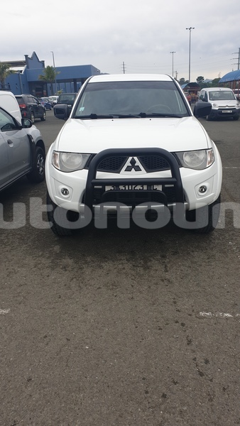 Big with watermark mitsubishi l200 sud noumea 3761