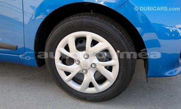 Acheter Importé Voiture Hyundai i10 Bleu à Import - Dubai, Iles