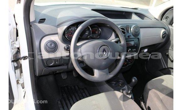 Acheter Importé Voiture Renault Dokker Blanc à Import - Dubai, Iles