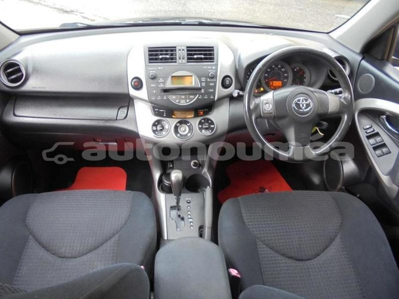 Big with watermark toyota rav4 sud bouloupari 4446