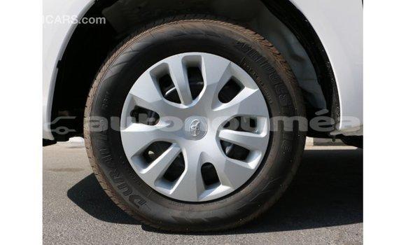 Acheter Importé Voiture Toyota Hilux Blanc à Import - Dubai, Iles