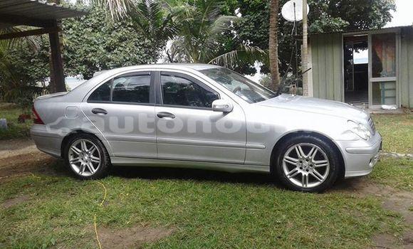 Acheter Occasion Voiture Mercedes-Benz C–Class Autre à Fayaoue, Iles