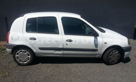 Acheter Occasions Voiture Renault Clio Autre à Touho au Nord