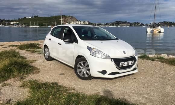 Acheter Occasions Voiture Peugeot 208 Blanc à Noumea au Sud