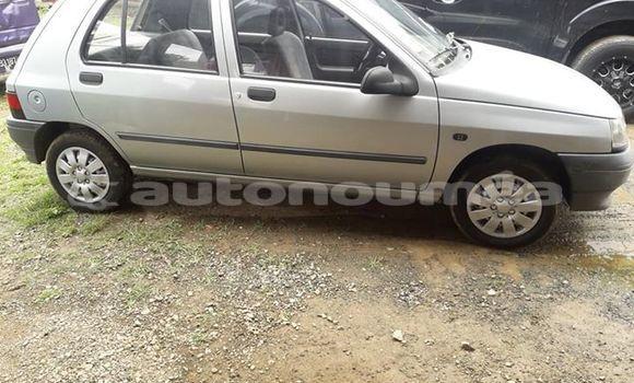 Acheter Occasion Voiture Renault Clio Gris à Dumbea, Sud